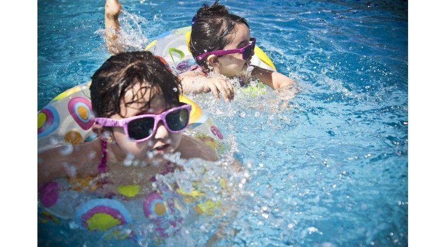 Piscinas, hinchables y juegos acuáticos